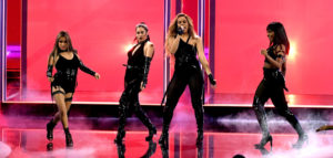 People's Choice Awards 2017: All That Glitters is Gold